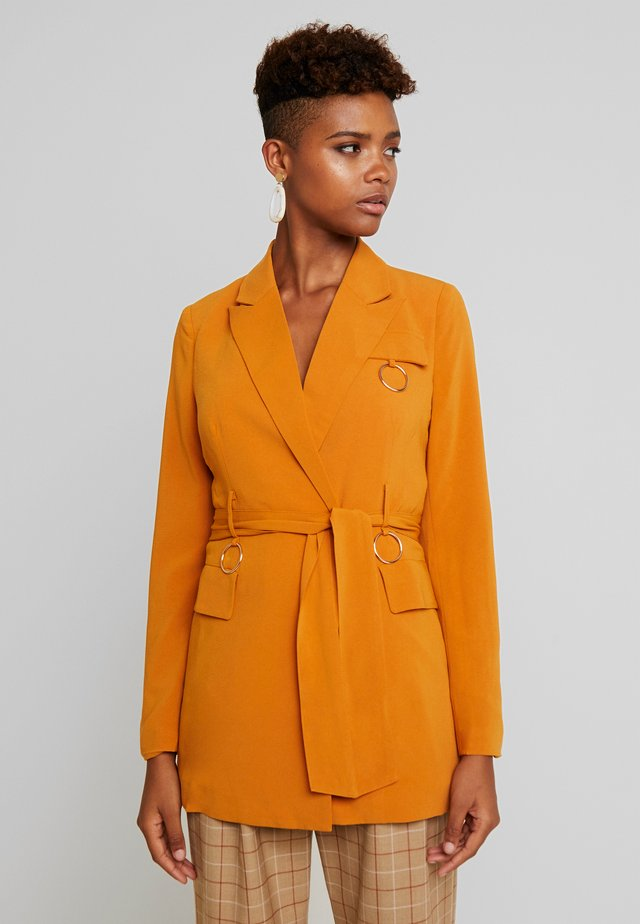 HARRINGTON BELTED WITH RING DETAIL - Manteau court - ginger