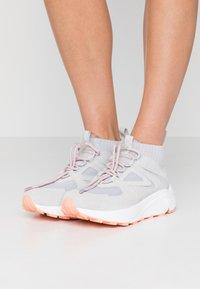 HUGO - HORIZON RUNN - Sneakersy wysokie - grey - 0