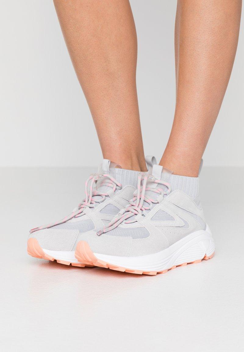 HUGO - HORIZON RUNN - Sneakersy wysokie - grey