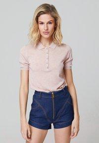 FELIPE ALBERNAZ - Polo shirt - light pink - 0