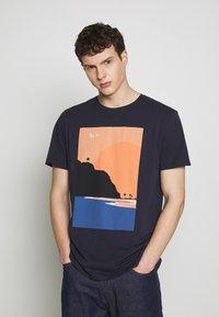 Esprit - T-shirt z nadrukiem - navy - 0
