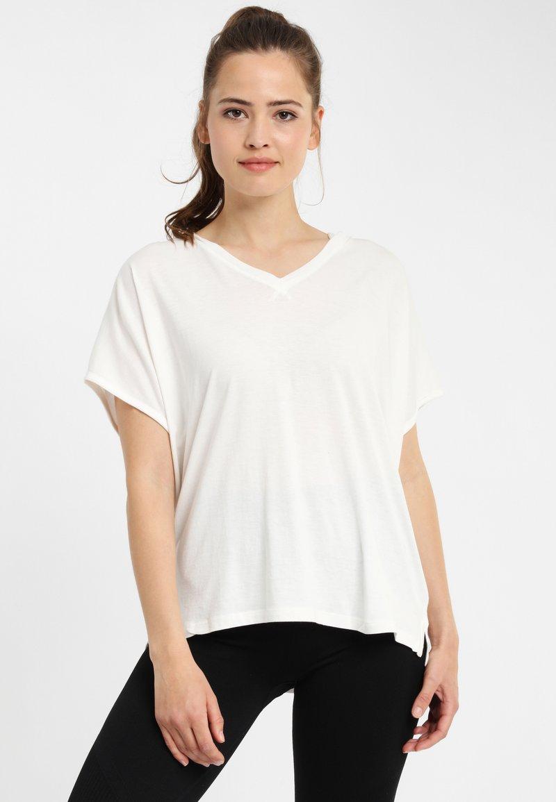 PONCHO COMPANY - Print T-shirt - off-white