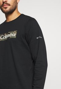 Columbia - LOOKOUT POINT GRAPHIC TEE - T-shirt à manches longues - black - 4