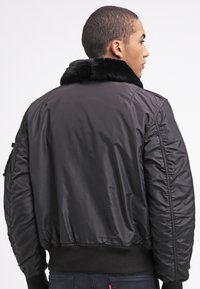 Alpha Industries - INJECTOR III - Bomber Jacket - black - 2