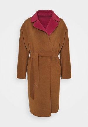 RAIL - Classic coat - bordeaux/camello