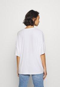 Even&Odd Petite - Basic T-shirt - white - 2