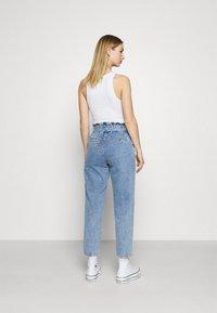 ONLY - ONLJANE PAPERBAG BELT - Relaxed fit jeans - light-blue denim - 2