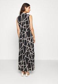 Cartoon - Maxi šaty - black/white - 2
