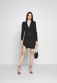 Club L London - PLUNGE SPARKLE MINI DRESS WITH THIGH SPLIT - Vestido de cóctel - black - 1