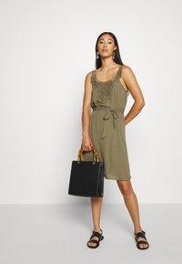 ONLY - ONLBEVERLY ABOVE KNEE DRESS  - Day dress - kalamata - 1