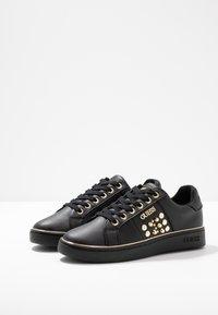 Guess - BRANDIA - Sneakers - black - 4
