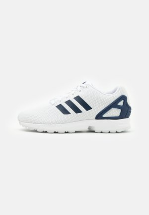 ZX FLUX UNISEX - Baskets basses - footwear white/dark blue