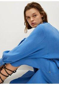 Mango - Skjortekjole - blau - 4