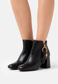 See by Chloé - Ankle boots - nero - 0