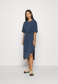 Monki - HESTER DRESS - Jerseykjole - navy blue