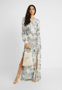 Missguided Tall - CHINA PLATE BUTTON FRONT MAXI DRESS - Cocktail dress / Party dress - blue - 2