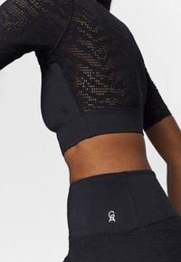 Good American - ZEBRA - Basic T-shirt - black - 3