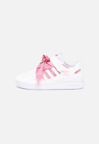 FORUM LOW UNISEX - Trainers - white/light pink