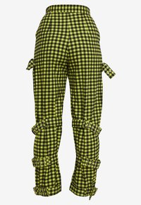 The Ragged Priest - GINGHAM PANTS WITH BUCKLE STRAPS - Bukse - lime/black