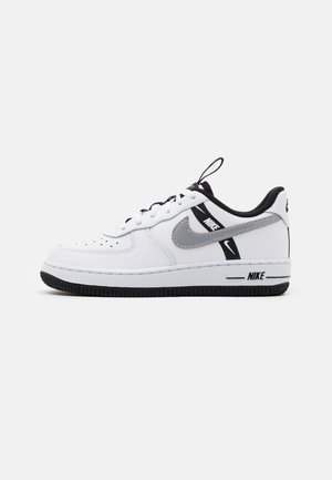 FORCE 1 LV8 UNISEX - Sneakersy niskie - white/black/silver