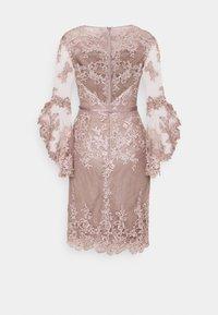 Luxuar Fashion - Vestido de cóctel - mauve - 1