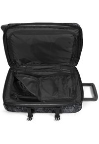 Eastpak - Wheeled suitcase - master black - 4