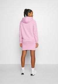 Peak Performance - ORIGINAL LIGHT HOOD - Sweatshirt - statice lilac - 2