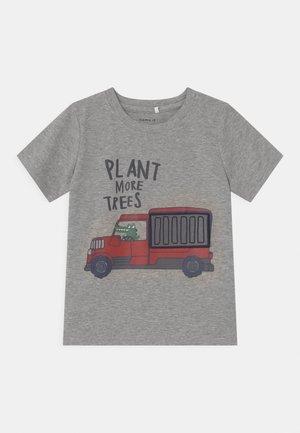 NMMDARSON  - Print T-shirt - grey melange