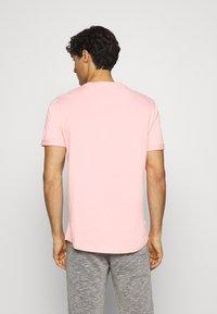 Pier One - Jednoduché triko - pink - 2