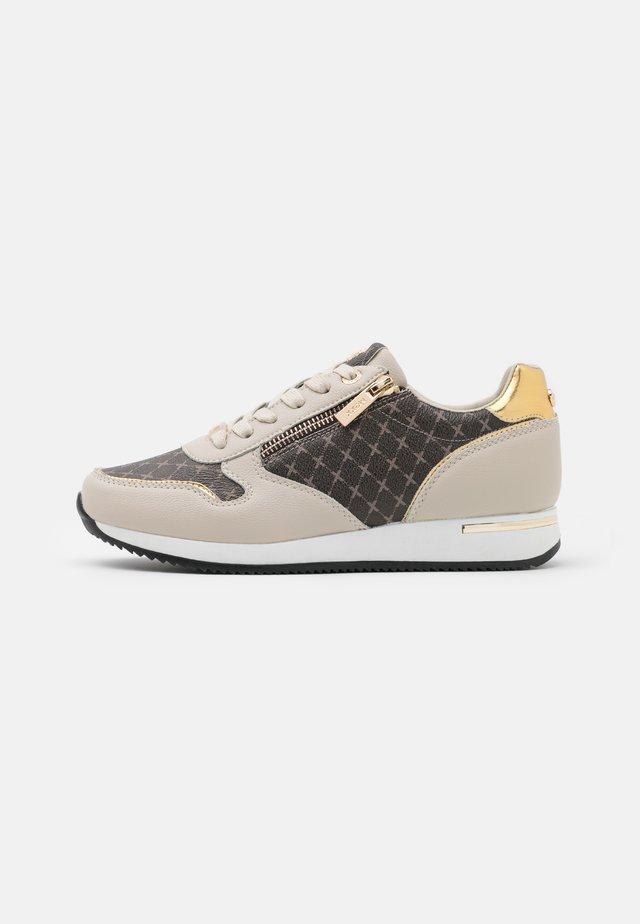 DJANA - Sneakers basse - beige/gold