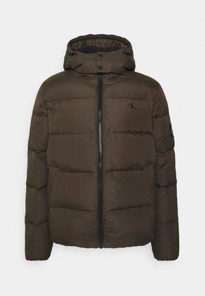 ESSENTIALS JACKET - Down jacket - black/olive