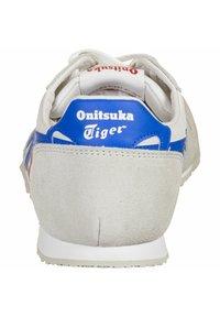 Onitsuka Tiger - SERRANO - Zapatillas - white/directoire blue - 3