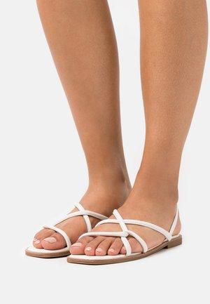 TOOSIEFLEX - Sandals - white