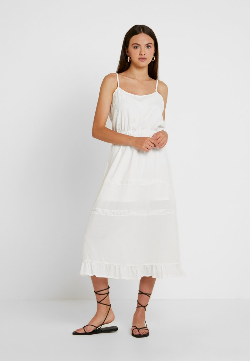 Missguided - BRODERIE ANGLAISE CAMI MIDI DRESS - Denní šaty - white
