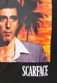 Nominal - SCARFACE PALM PHOTO TEE - Print T-shirt - black - 2