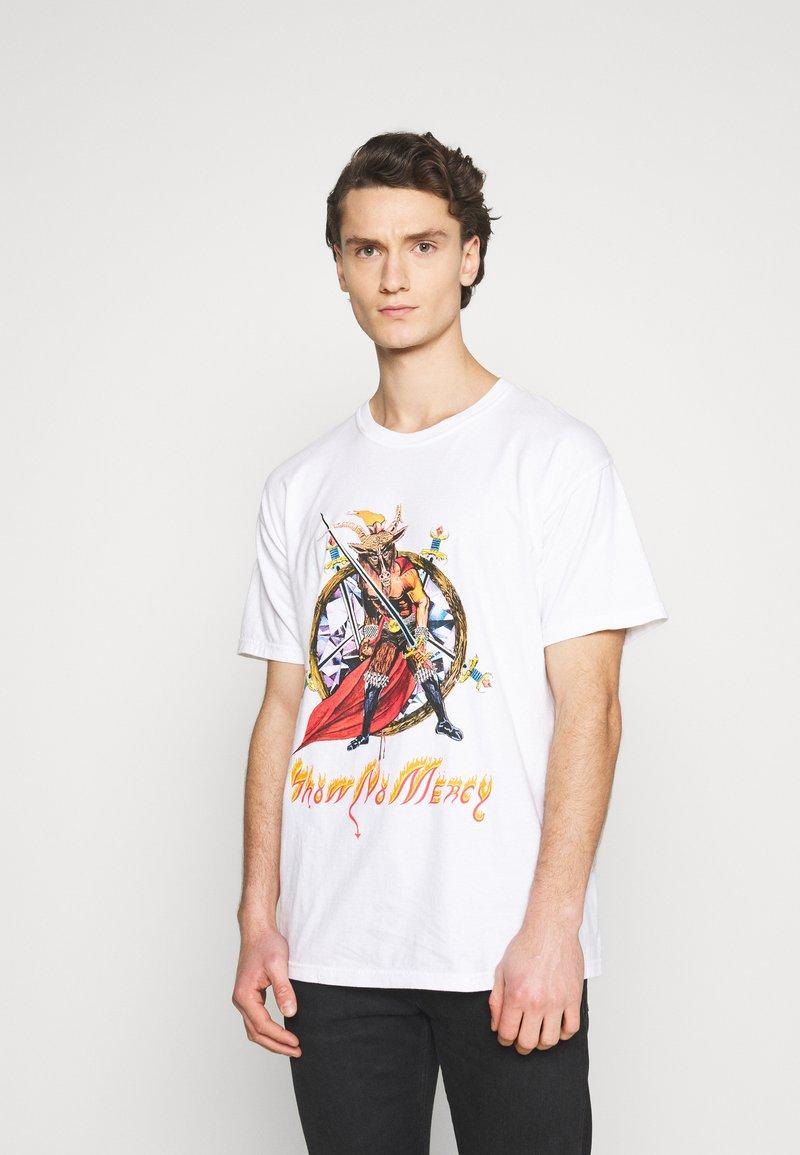 Diamond Supply Co. - NO MERCY TEE - Printtipaita - white