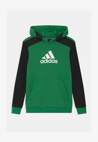 core green/black/white