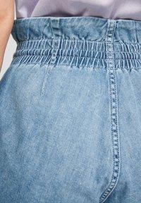 Q/S designed by - REGULAR FIT - Jeansshort - medium blue - 6