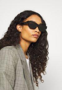 RETROSUPERFUTURE - ROMA HAVANA RIGATA - Sunglasses - black - 3