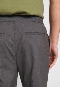 CELIO - ROTHEO - Trousers - anthracite - 3