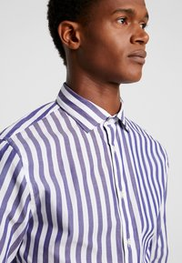 CELIO - PARADE - Shirt - navy - 4