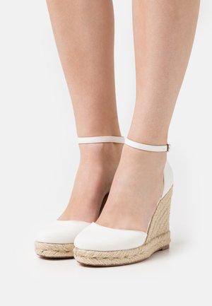 Platform heels - offwhite