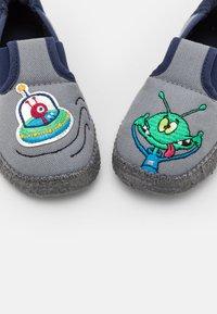 Nanga - UFO - First shoes - mittelgrau - 5