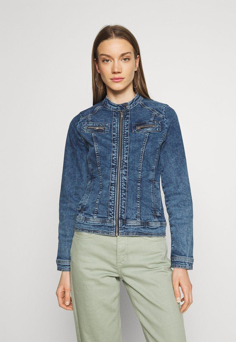 ONLY - ONLTIA BANDIT BIKER JACKET - Denim jacket - medium blue denim