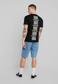 Vans - RACING REPEAT - T-Shirt print - black - 0