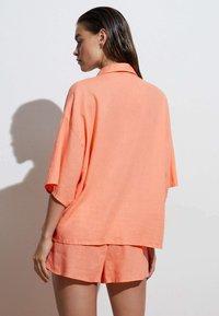 OYSHO - Camicia - coral - 1