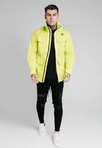 SIKSILK - Light jacket - fluorescent green - 1