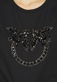 Pinko - QUENTIN - Print T-shirt - black - 4