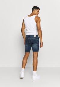 11 DEGREES - RIP AND REPAIR  - Denim shorts - mid blue - 2
