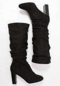 Dorothy Perkins Wide Fit - WIDE FIT KISS 70S LONG BOOT - Kozačky na vysokém podpatku - black - 3